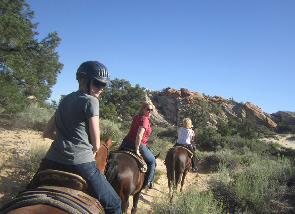 Lyssa-and-Cindi-on-St-George-trail-ride